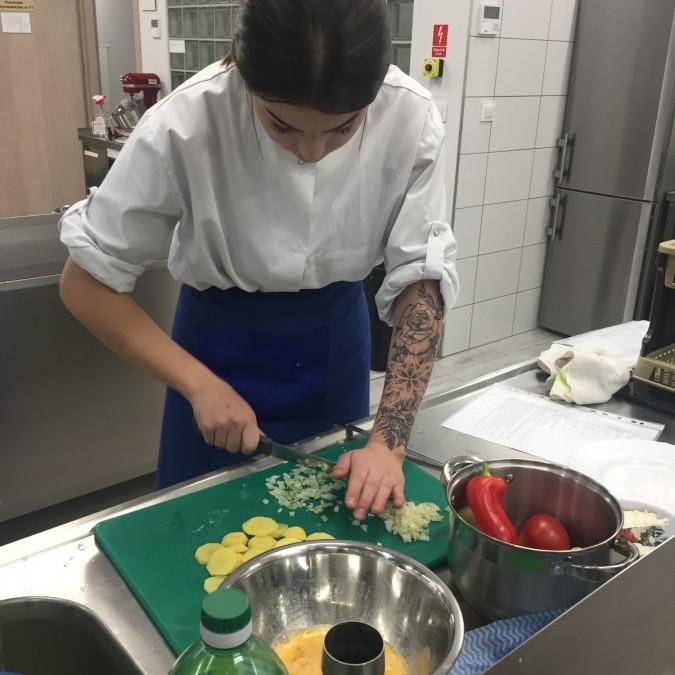 Obrazek galerii Diagnoza początkowa  wiedzy o kuchni hiszpańskiej.