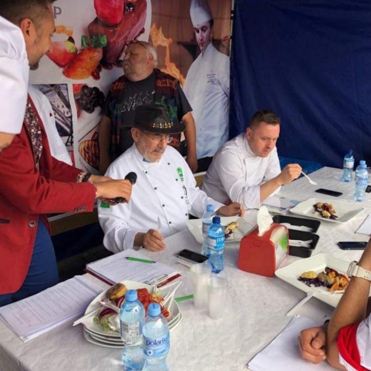Obrazek galerii Mistrzostwa w przygotowywaniu potraw z ryb słodkowodnych.