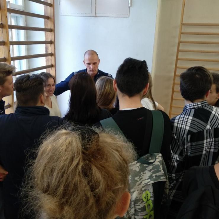 Obrazek galerii Spotkanie uczniów klas pierwszych z Dzielnicowym